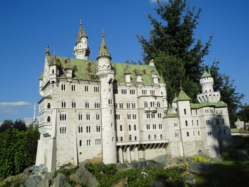 Le château de Neuschwanstein au parc d'attraction Minimundus